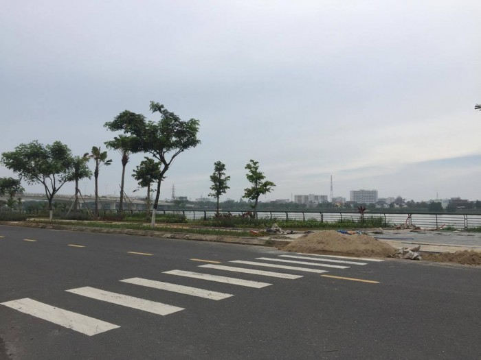 Bán đất thổ cư đường quy hoạch 7.5m ngay cạnh đường Trường Sa, cách bãi tắm Viễn Đông 1km.