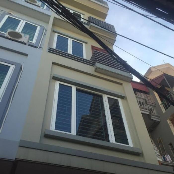 Nhà 2.5 tỷ ngã tư Vạn Phúc, Lê Văn Lương, 4 tầng (37m2-4PN) ô tô vào nhà, ngõ Thông