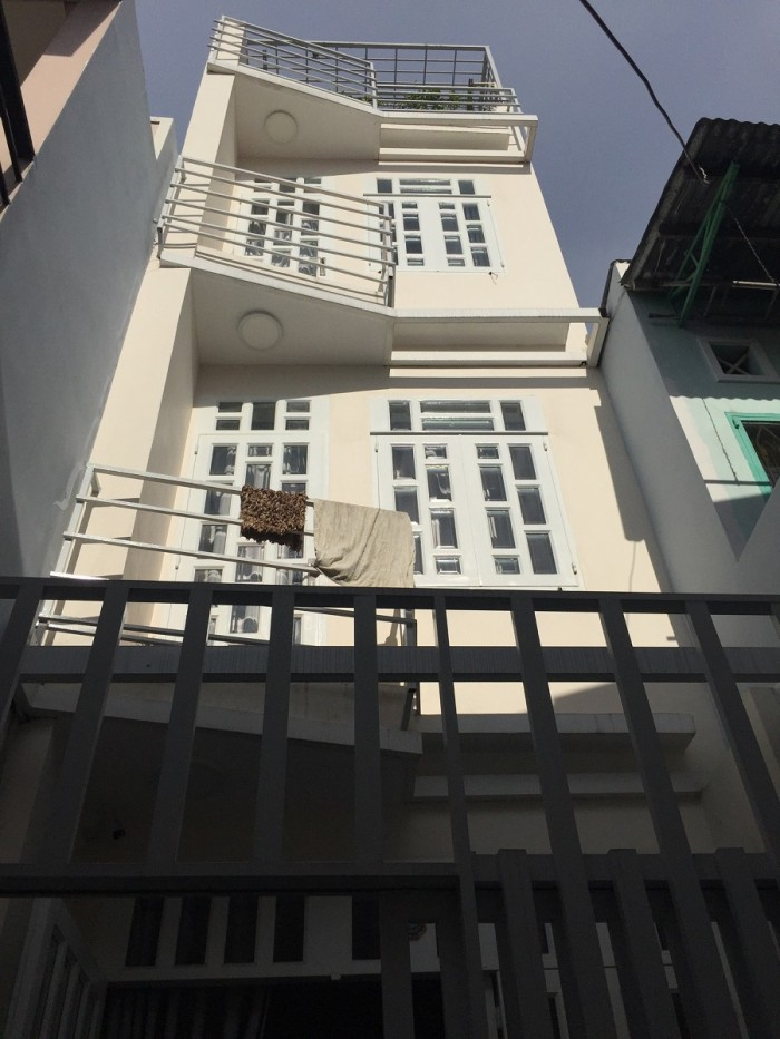 Bán nhà Trần Xuân Soạn 3.5x10m 2 lầu đúc 2.7 tỷ