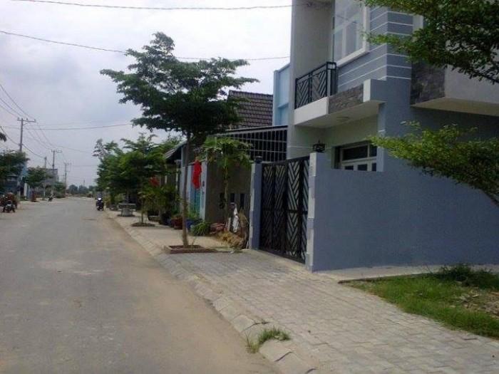 Bán 90m2 đất MT đường Đồng Văn Cống quận 2, đã ra sổ riêng