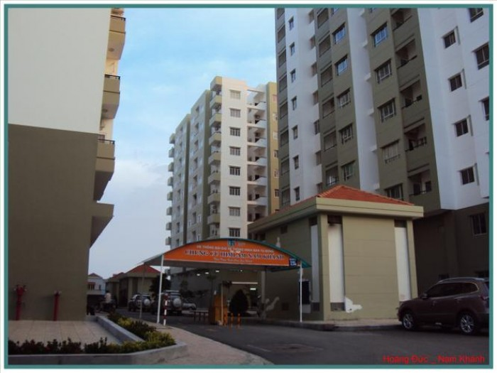 Cần bán gấp căn hộ Him Lam Nam Khánh, Dt 80m2, 2 phòng ngủ, nhà rộng thoáng mát, sổ hồng, giá bán 1.78 tỷ.