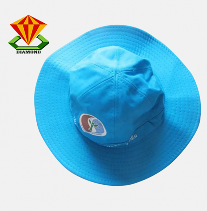 Sử dụng nón quà tặng để tăng sự hấp dẫn với khách hàng1