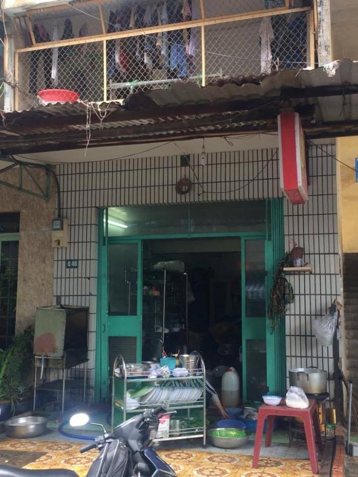 Bán nhà mặt tiền đường nhựa 9m thông, tầng trệt chung cư Lạc Long Quân
