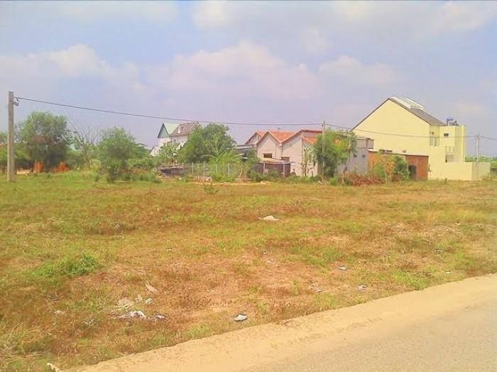 Gia đình đang kẹt tiền cần bán lại lô đất 300m2 tiện ở hoặc xây trọ