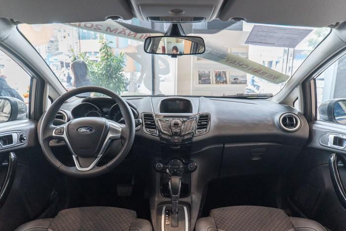 Khuyến mãi mua xe Ford Fiesta 2019, giao xe trong 30 ngày 4