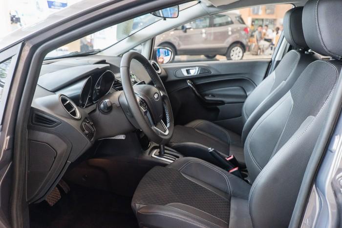 Khuyến mãi mua xe Ford Fiesta 2019, giao xe trong 30 ngày 5
