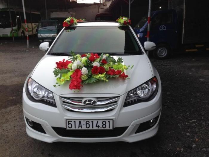 Thuê xe hoa, xe cưới 5 chổ màu trắng 2017: honda city, vios, camry 0