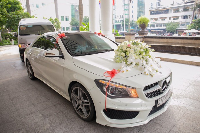 Thuê xe hoa, xe cưới 5 chổ màu trắng 2017: honda city, vios, camry