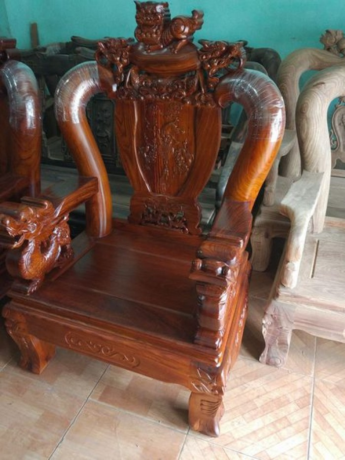 Bộ bàn ghế trạm nghê đỉnh gỗ hương vân4