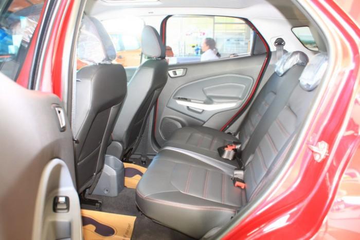 Ghế sau xe Ford Ecosport Titanium 2017, số tự động