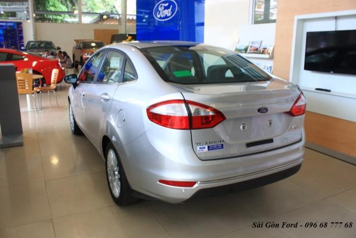 Khuyến mãi mua xe Ford Fiesta Titanium 2017, số tự động, vay trả góp chỉ 100 triệu, giao xe tháng 09/2017