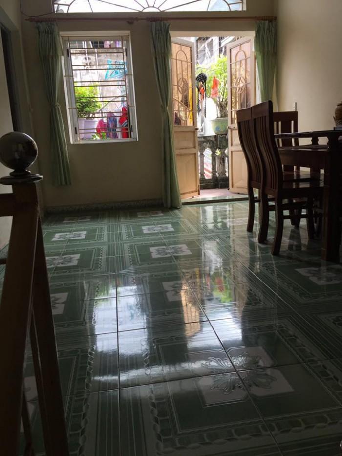 Chuyển công tác BÁN GẤP nhà phố Đồng Bún, dt 34m2, hướng Đông Bắc (có thỏa thuận)