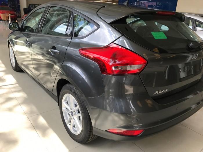 Khuyến mãi mua xe Ford Focus Trend, 5 cửa, số tự động, vay trả góp chỉ 150 triệu, giao xe trong 30 ngày. 8