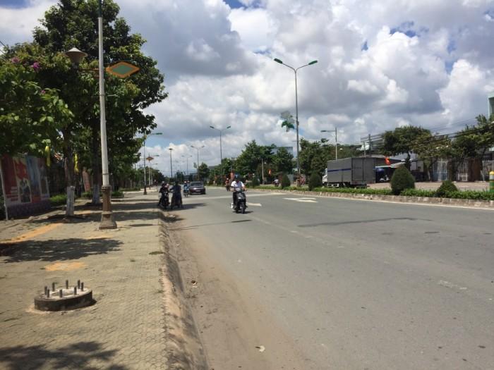 Bán Nhà Sân vườn Chính Chủ P.7 đường Nguyễn Văn Tư Diện tich (17.5x24.5)