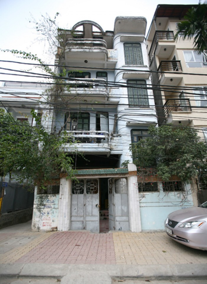 Bán nhà riêng quận Thanh Xuân, 3 tầng, KD nhỏ, ô tô 20m, ngõ nông, thông chỉ 1.35 tỷ