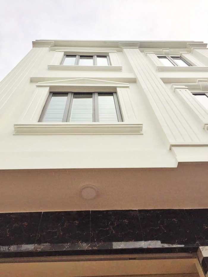 Nhà 3 tầng độc lập, xây khung cột, cách mặt đường Thiên Lôi, Chợ Đôn 20m, hướng Đông, 1,55 tỷ