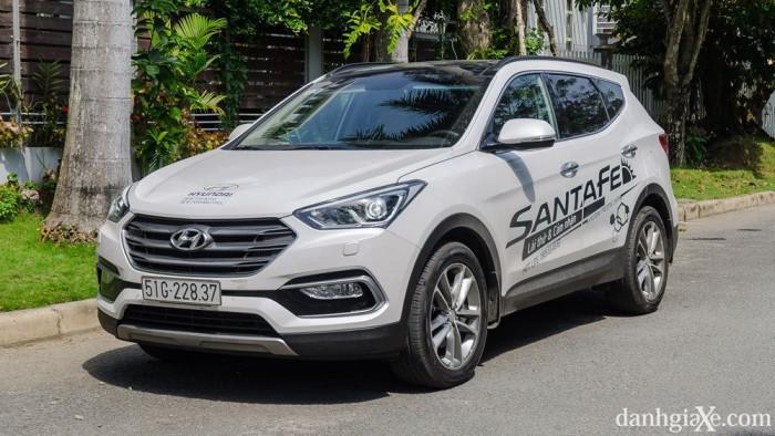 xe Hyundai Santafe 2017 3
