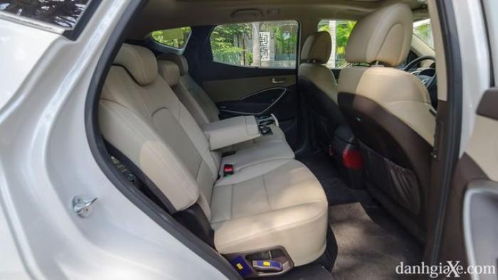 xe Hyundai Santafe 2017 23