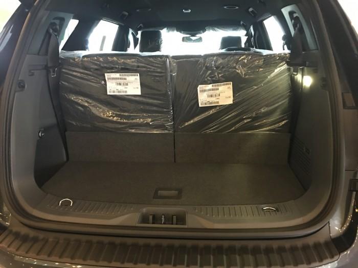 Khuyến mãi mua xe Ford Everest Titanium 2017, số tự động, đủ màu 4