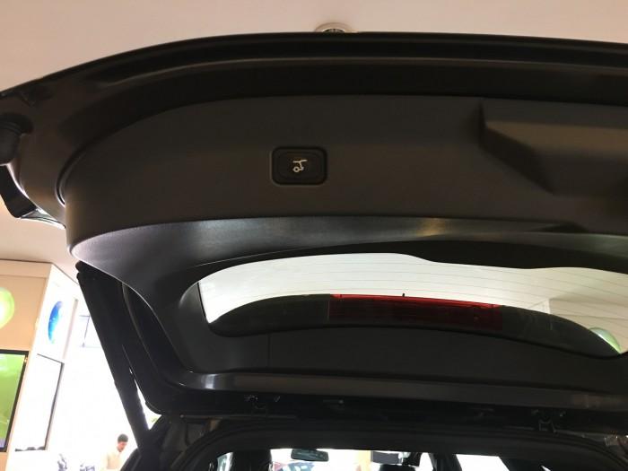 Khuyến mãi mua xe Ford Everest Titanium 2017, số tự động, đủ màu 6