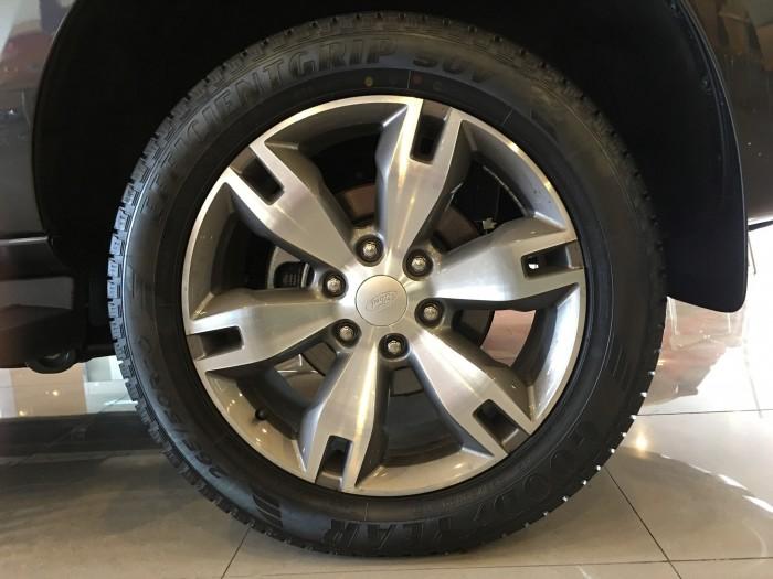 Khuyến mãi mua xe Ford Everest Titanium 2017, số tự động, đủ màu 11