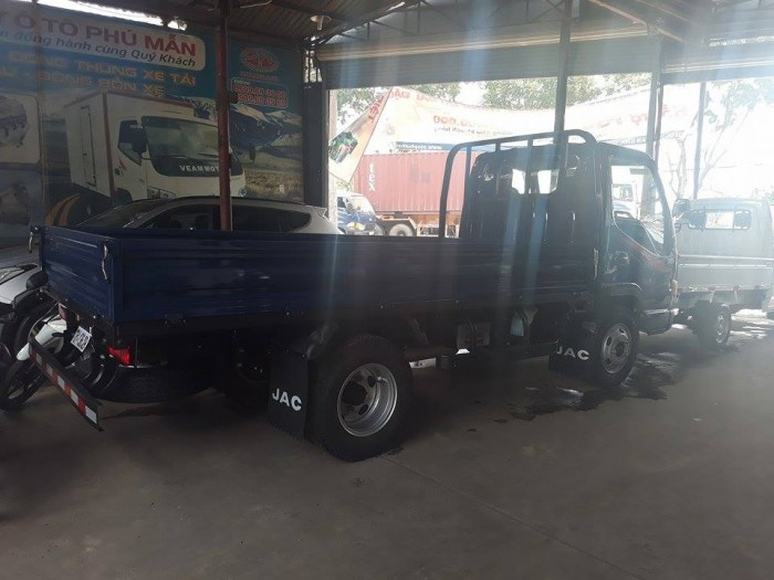 Giá xe tải JAC HFC1042K 2.4 tấn/2.4Tan