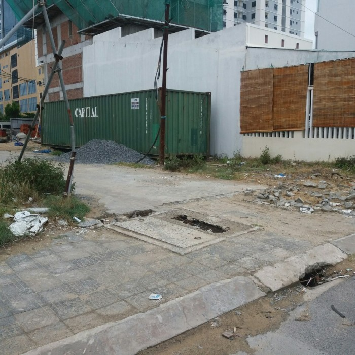 Bán gấp đất 2 mặt tiền đường Đỗ Bí, khu 387 Đà Nẵng, cách biển 200m, giá thương lượng.