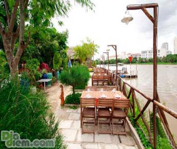 Lô đất đường 20,5m mặt tiền sông-đối diện khách sạn MB Land