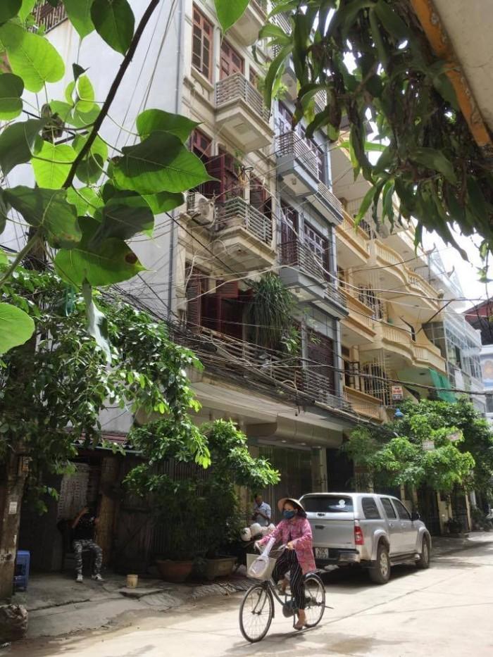 Bán Nhà Phân Lô Hào Nam Kinh Doanh, Ô Tô Tránh View Đẹp