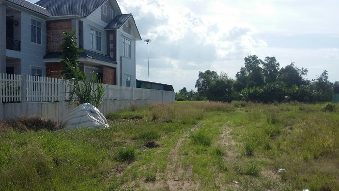 Chú 6 cần tiền bán gấp lô Đất bình chánh, 1500 m2 , giá rẻ, chính chủ.