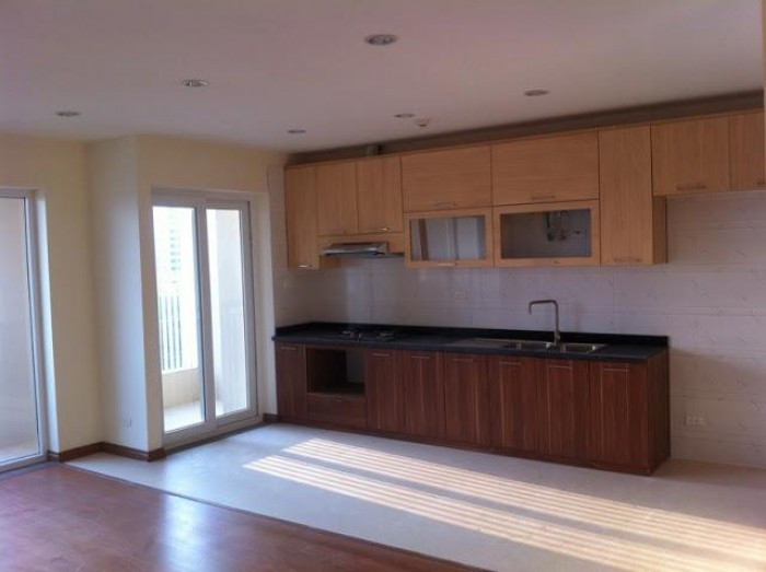 Cho thuê căn hộ chung cư Vinaconex 1, DT 146m, 3PN, nội thất cơ bản, giá 13 triệu