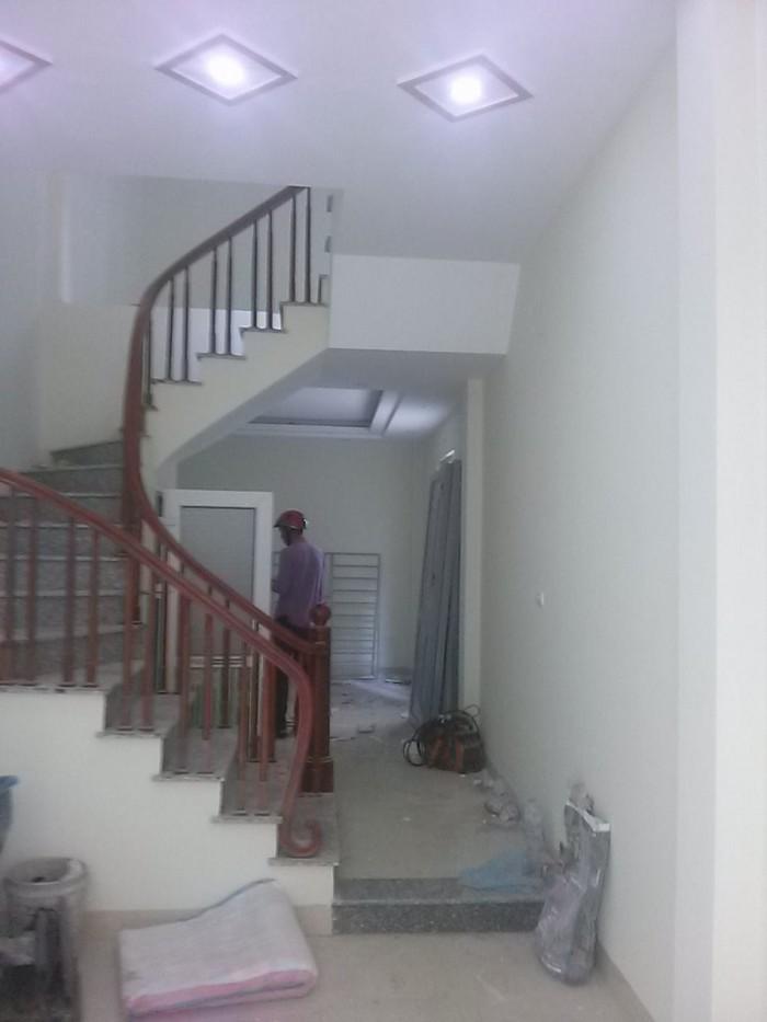 Do nhu cầu chuyển đổi nên cần bán nhà ở ngõ 543 Nguyễn Trãi, Thanh Xuân Nam, nhà ngõ thẳng, rất gần mặt phố.