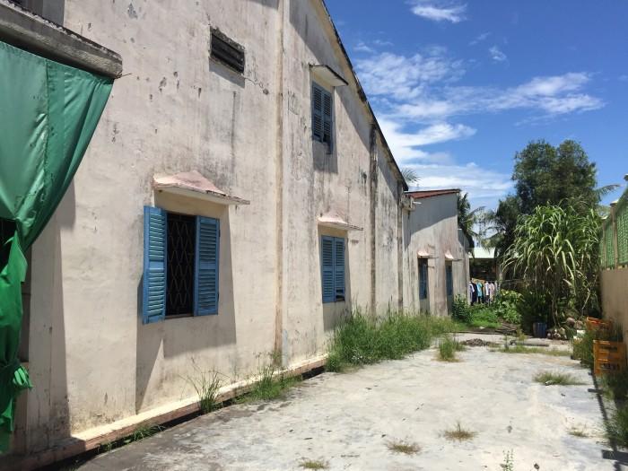 Bán nhà đất mặt tiền Quốc Lộ 80