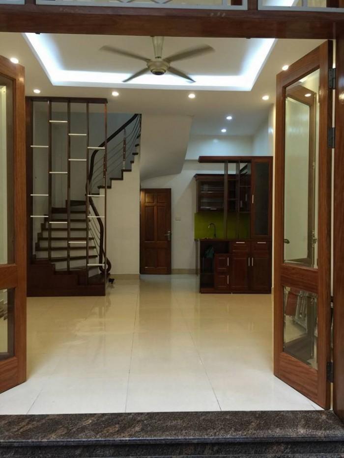 Nhà ngõ Vương Thừa Vũ, DT 34mX4t, MT 4.2m, giá 4.7 tỷ.