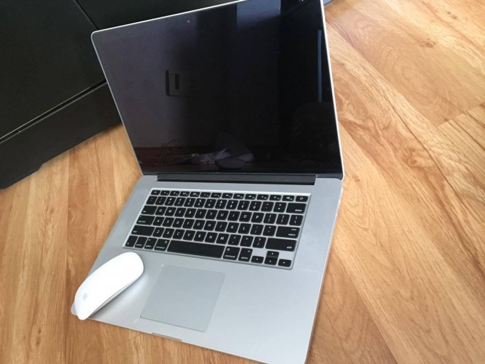 Bán Macbook Pro Retina - Intel core i7 - màn hình 15,4 inch 2012 giá 20tr0