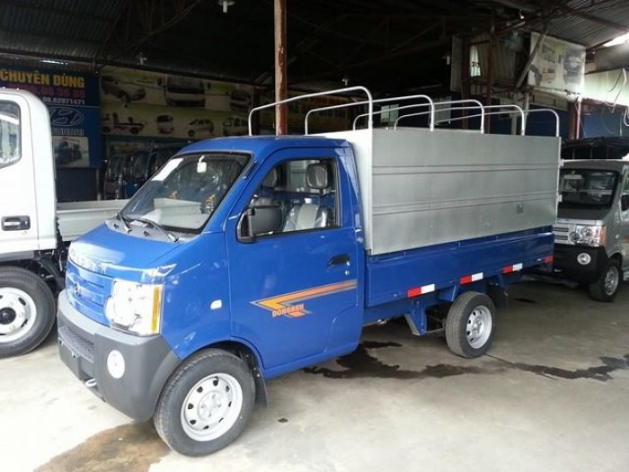 Xe tải dongben thùng mui bạt 810kg