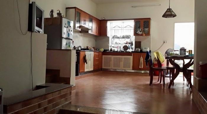 Cần bán gấp nhà hẻm đường Lê Quang Sung, quận 6. DT 3.05m x 18.2m(NH 5.5m). Giá 3.3tỷ.