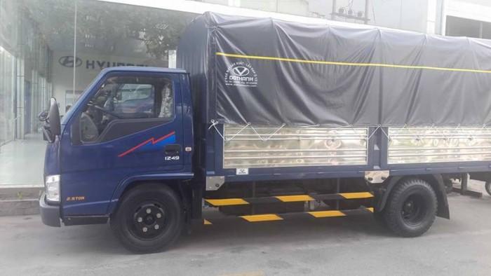 Xe tải Hyundai Iz49 2,4 Tấn Thùng Mui Bạt, Xe tải Hyundai 2,4 Tấn, giao xe trong vòng 5 ngày 3