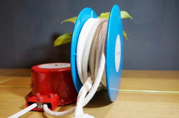 Bộ dây được quấn quanh một lõi nhựa, giúp cho dây không bị rối hay thắt nút, tránh tình trạng bị kẹt dây trong quá trình hệ thống vận hành.