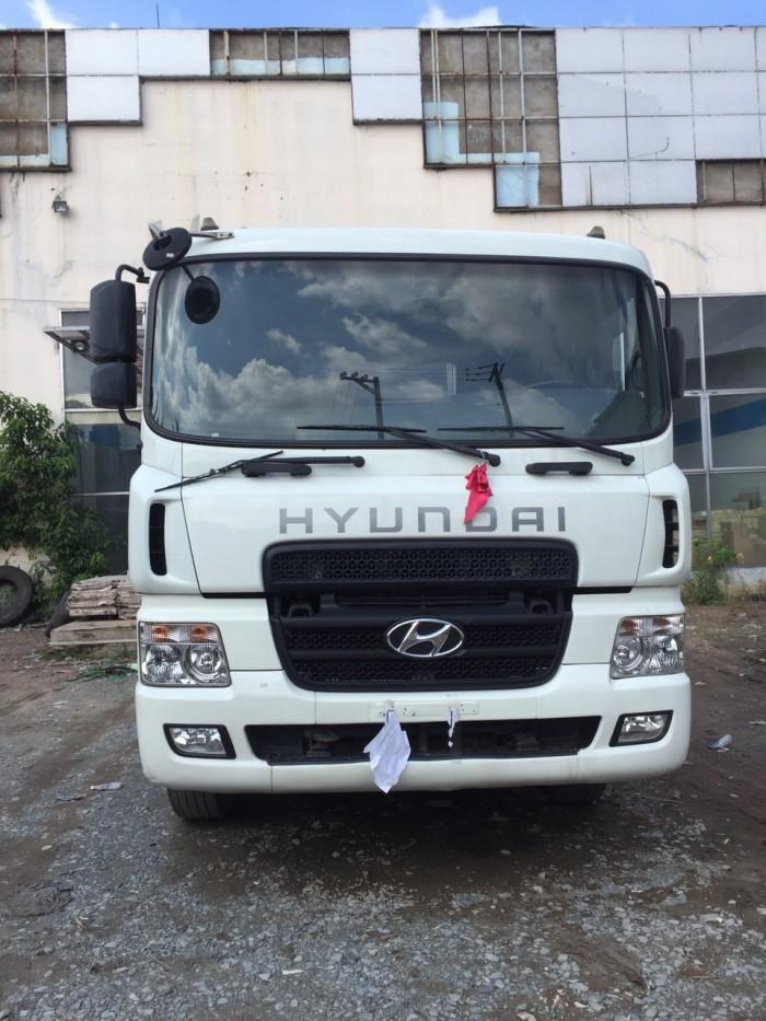 Đầu kéo Hyundai cũ HD700 2015