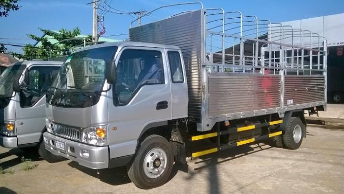 Bán xe tải jac 7.25  tấn thùng mui bạt thùng 5m7 , xe tải công nghệ faw máy xanh mạnh mẽ .