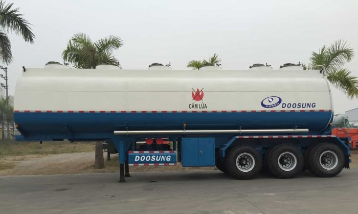 Bán rơ mooc Doosung chở Xi téc chở xăng, dầu, xi téc chở xăng 39 khối 2017