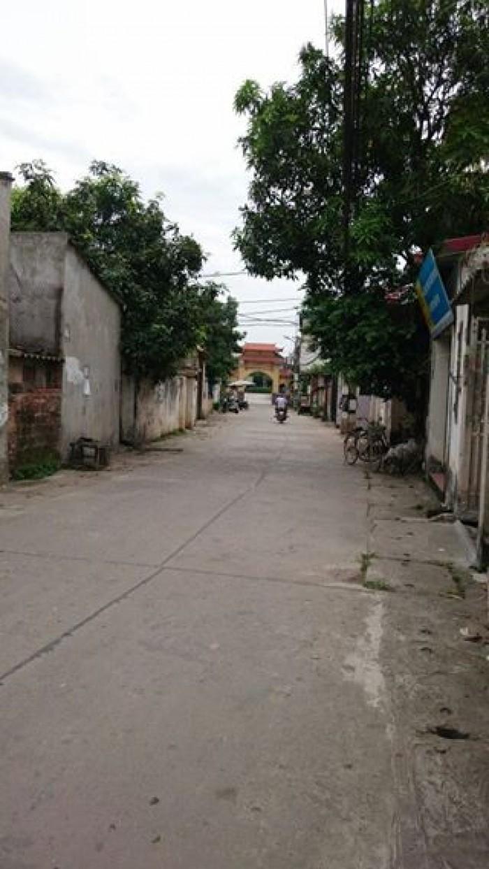 Bán Gấp lô đất tổ 13,phố Trạm, Long Biên, HN. 41,5m2, MT=5,2m. Hướng TB. Giá 35 triệu/m2.
