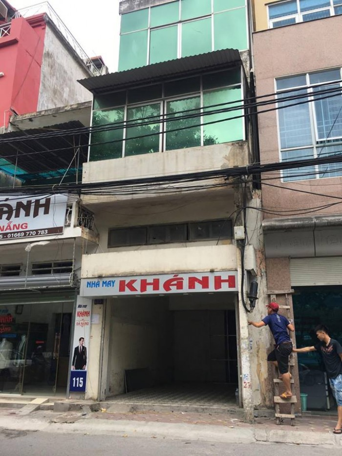 Bán nhà mặt phố Vũ Tông Phan diện tích 60m2x 5 tầng, mt 4.3m giá 11.2 tỷ.