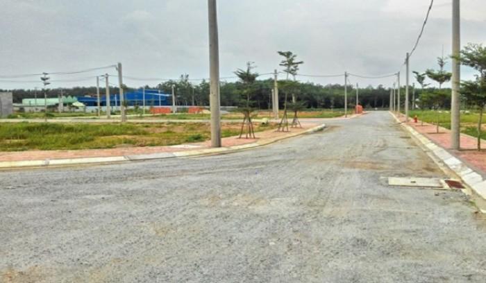 Đất xây trọ, diện tích 6x20, chỉ 270tr/nền, bao GPXD, ngay chợ Bình Chánh