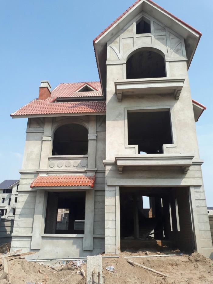 Bán biệt thự,liền kề mặt đường Lê Trọng Tấn (300m2,4T) 2 mặt tiền,view vườn hoa, cạnh bể bơi,trường