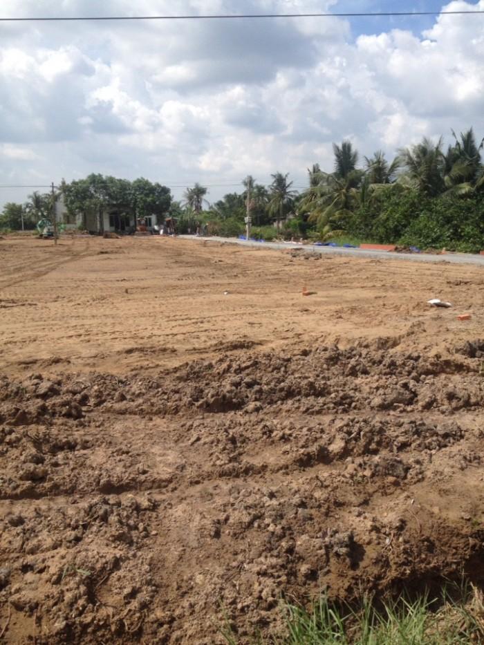 Cần bán gấp 2 lô đất thổ cư 100% dt100m2 SHR cách QL1A 6km,.