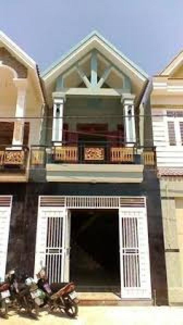 Nhà Dĩ An giá rẻ vị trí đẹp gần trung tâm thị xã cách nhà thờ 500m