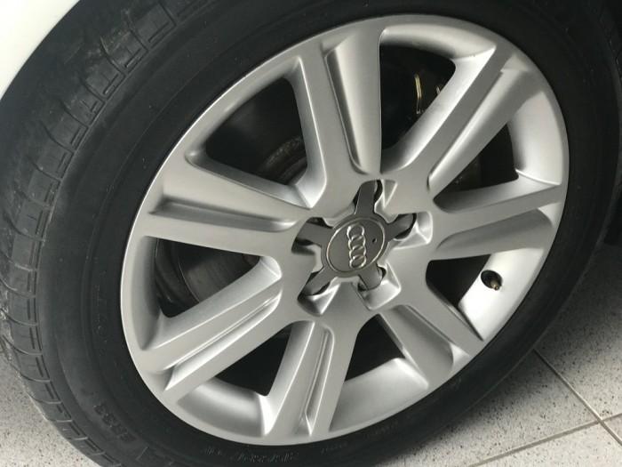 Bán Audi A4 2.0 TFSI màu trắng đời 2009  đăng ký 2012 bản full 5