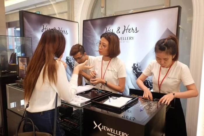AnnA Uniforms nhận may áo thun nữ, may áo thun đồng phục cho nhãn hàng trang sức Jewellery với chất liệu vải cao cấp.